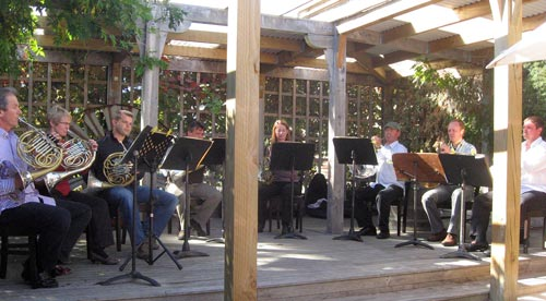 The Trans-Tasman Horns playing in the outside courtyard at Martinborough's Wine Centre.