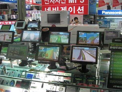 GPS-units-at-Yongsan-Electr