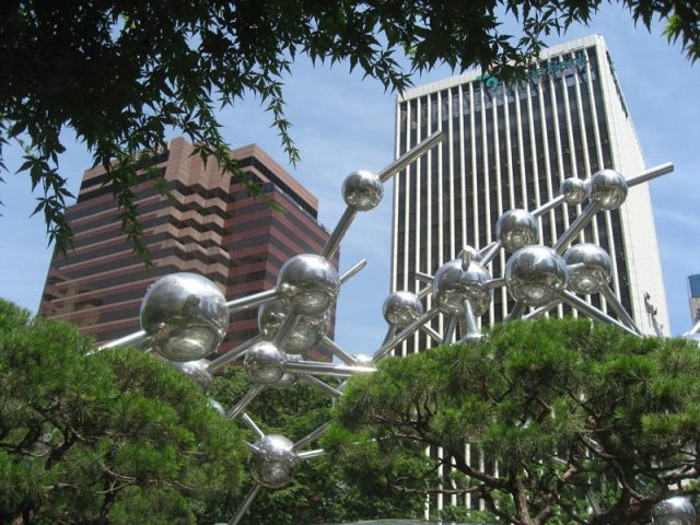 Sculpture in downtown Seoul.