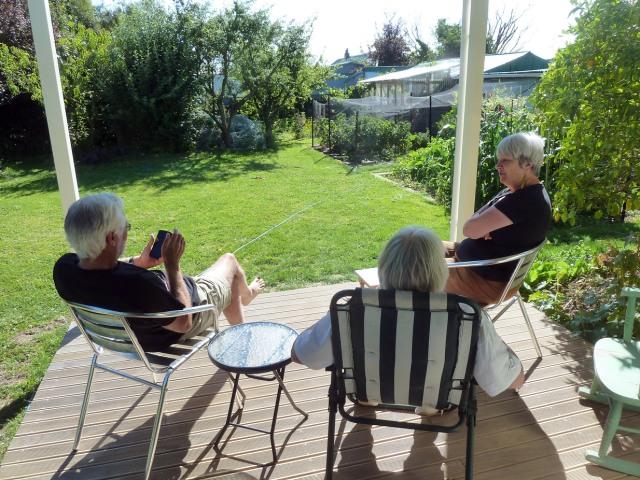 Peter-Liz-and-Doris-on-front-deck