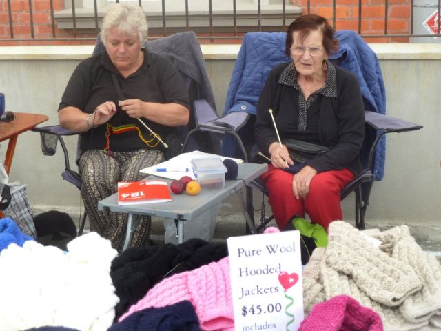 Knitters-MB Fair 2013