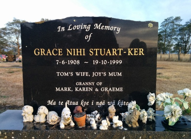 Maori-graves-13,-Martinborough-Cemetery-210150224