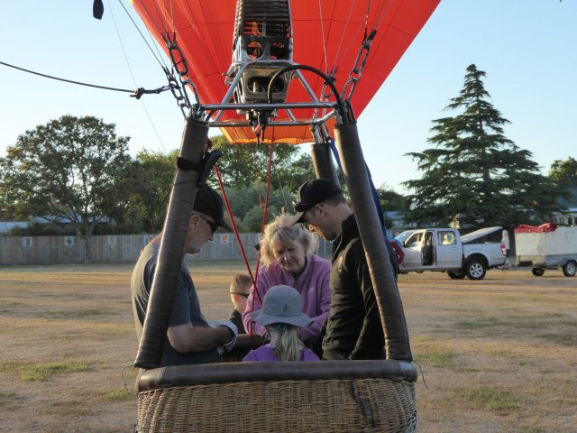 Martinborough-balloons-04
